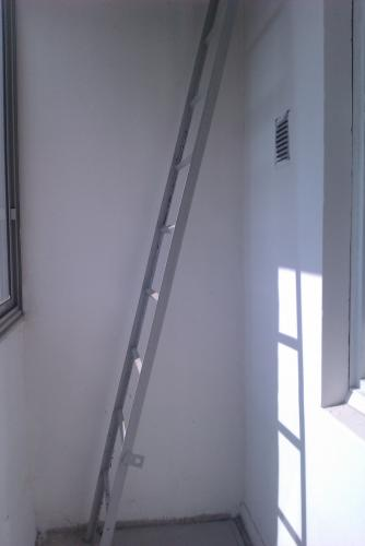 лестница_на_лоджии.jpg