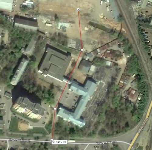 Через территорию учебного заведения.jpg
