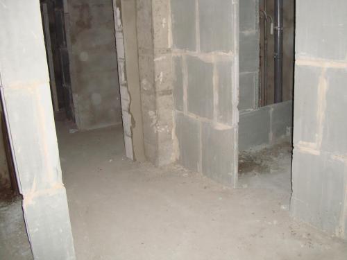 вид_на_ванную_и_на_входную_дверь.JPG